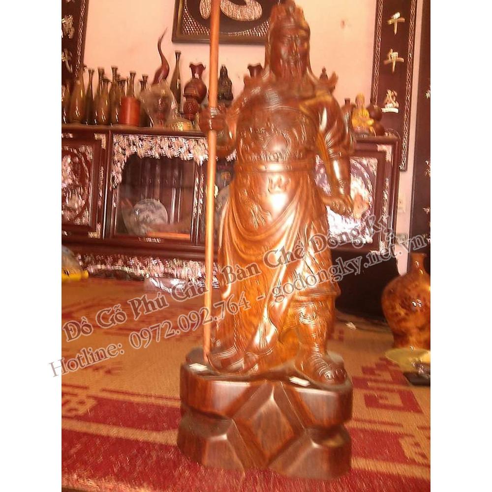 Tượng quan văn trường tay cầm đao gỗ hương